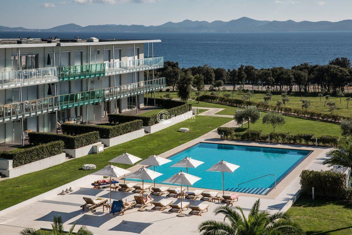 Apartment 75m2 with terrace in Zadar area - complete management