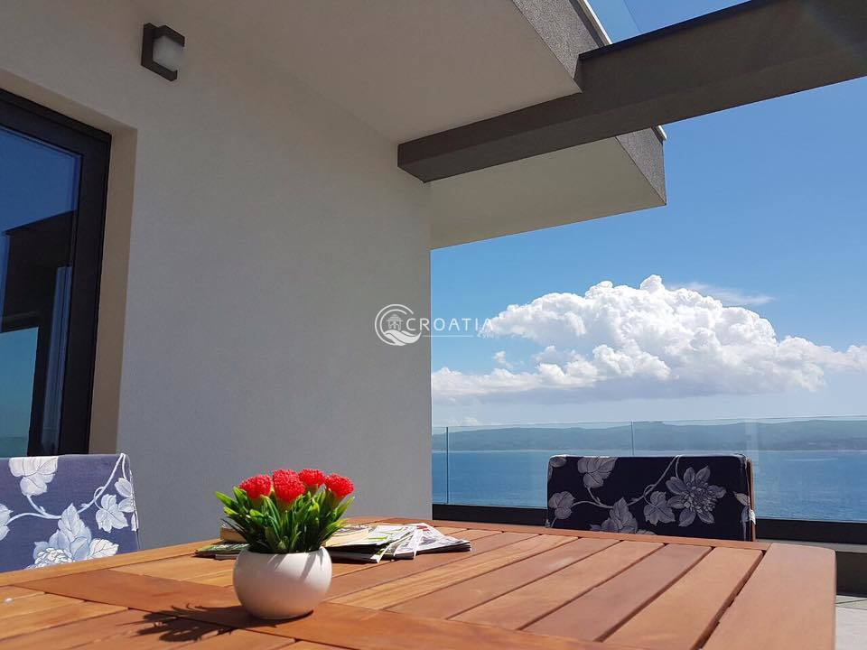 Luxury villa in Omis first line from the sea