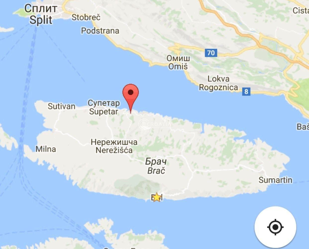 Land with possibility of building a hotel on island Brac
