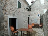 Lovely traditional stone house near Šibenik
