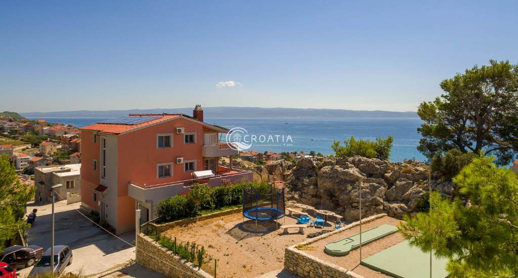 Villa with swimming pool for sale in Podstrana