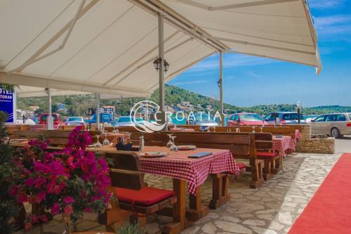 Hotel for sale in Tisno near Sibenik