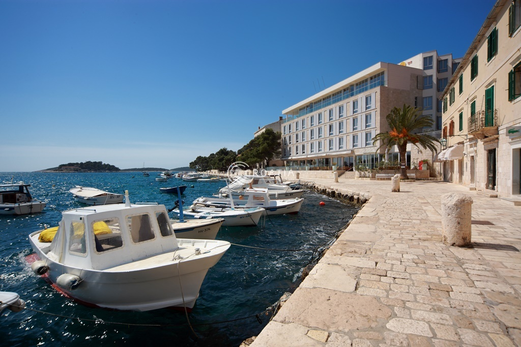 Wedding on island Hvar - VIP terrace Adriana hotel