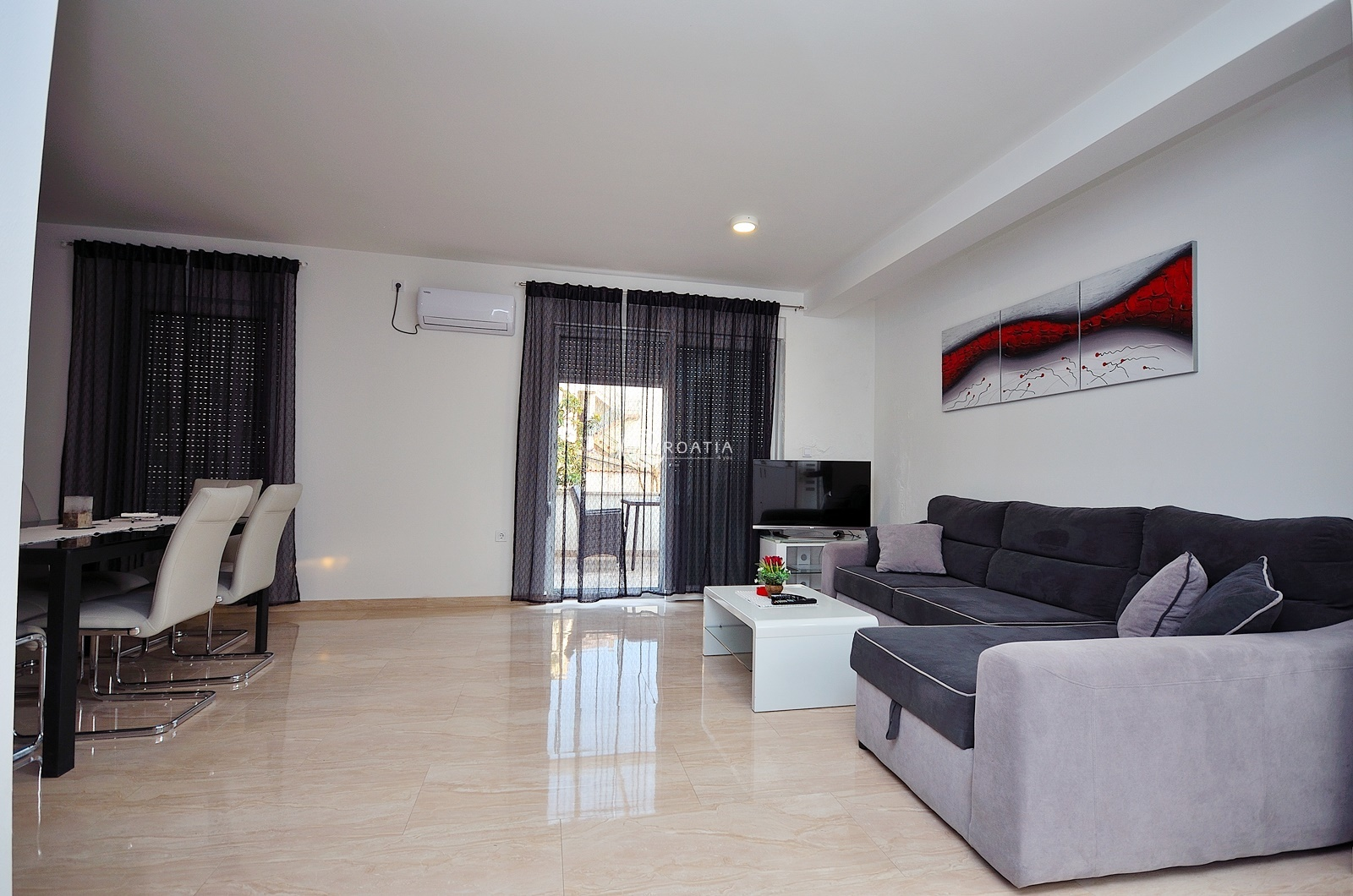 Apartment house for sale and rent