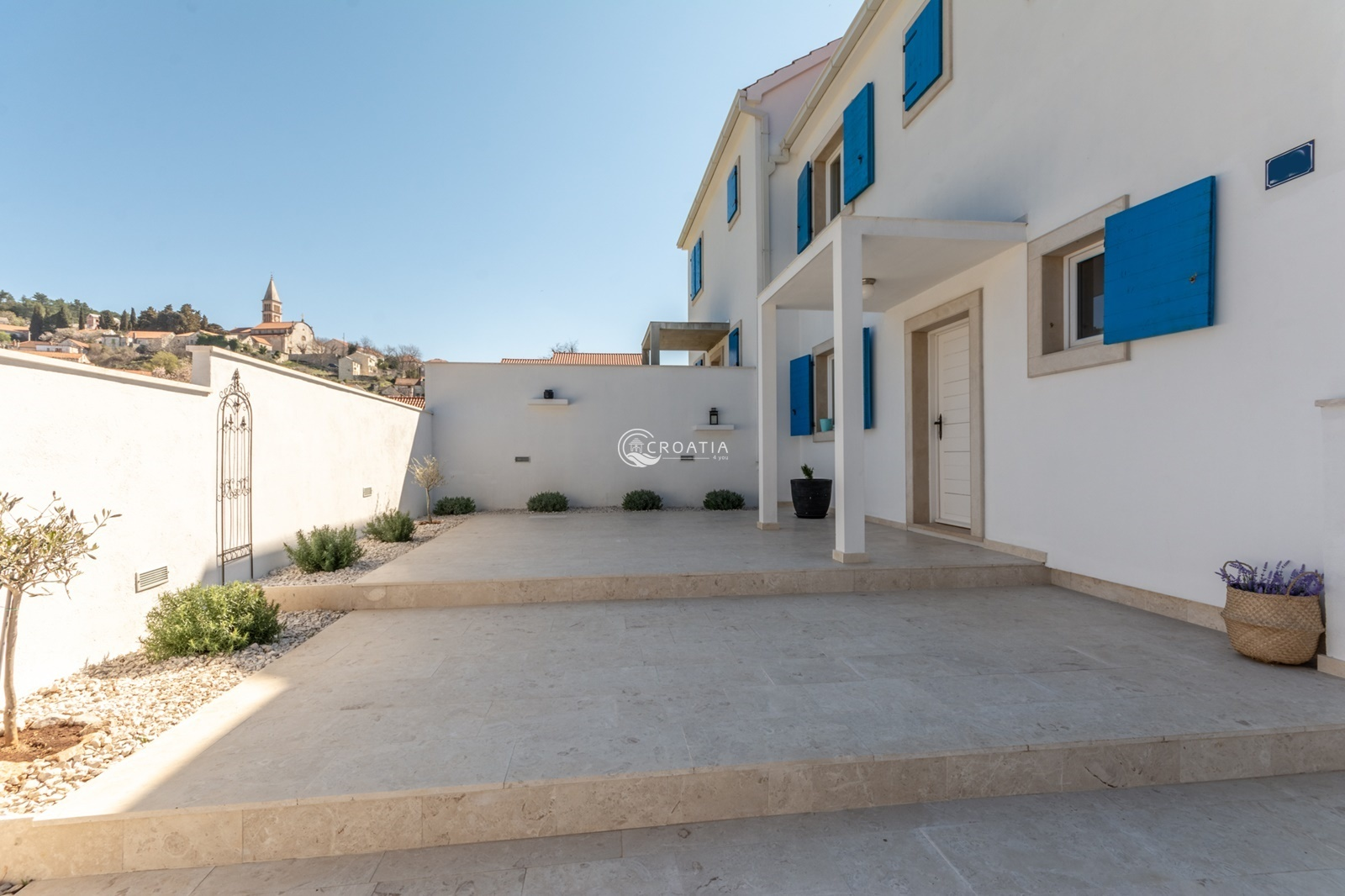 Villa on island of Brac